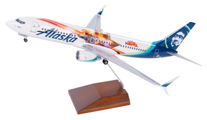 Alaska Airlines Model 1/100 scale Skymarks Supreme 737-800 Captain Marvel