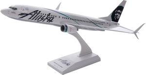 Alaska Airlines Model 1/130 scale Skymarks 737-800 Employee Powered